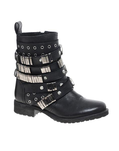 asos asos aberdeen leather biker boots at asos