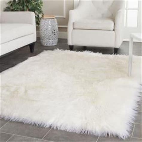 Bedroom Fur Rug 25 Best Ideas About White Rug On Bedroom Rugs