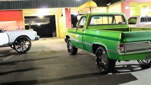 box chevy on 30s and chevy silverado shortbed on 26s
