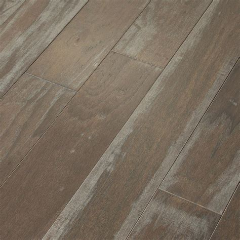 shaw wood flooring shaw majestic hickory creek 3 8 in t x 5 in w x random length engineered click hardwood