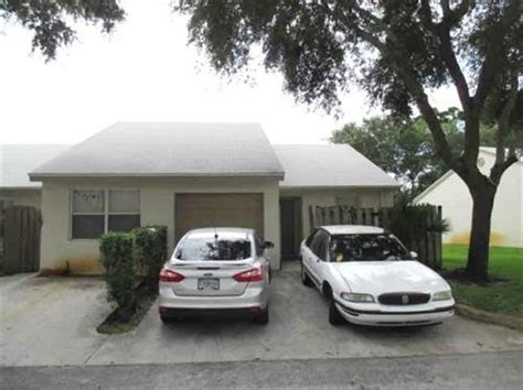 5178 Glencove Ln West Palm Beach Fl 33415 Reo Home Houses For Sale In West Palm Fl 33415