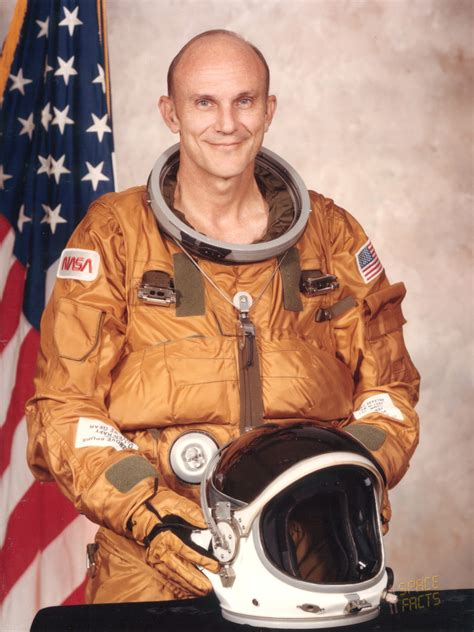 Ken Mattingly Astronaut by Astronaut Biography Mattingly