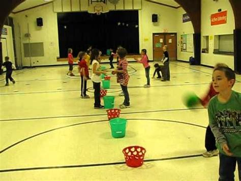 kindergarten activities pe pe catching and throwing game catch everything youtube