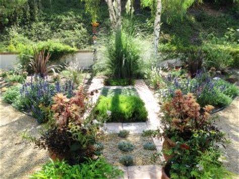 lawn free backyard debra prinzing 187 architecture