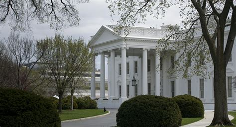obama family to rent washington dc home after leaving