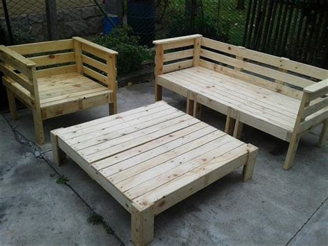 outdoor furniture using pallets pallet outdoor furniture set 101 pallets