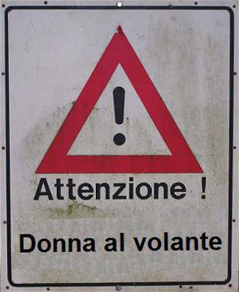 donna al volante pericolo sfatare miti donna al volante pericolo scato