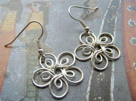 Handcrafted Designs - 27 free wire wrap jewelry tutorials diy to make
