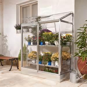 favoriser la croissance des plantes sur le balcon avec la