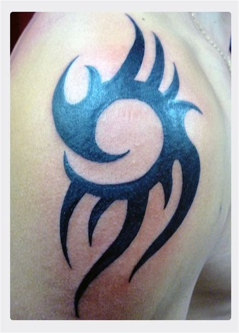 tribal tattoo pictures shoulder 25 best ideas about tribal shoulder tattoos on