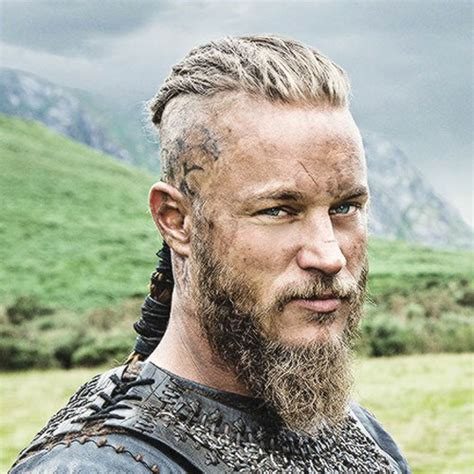 what is going on with travis fimmels hair in vikings