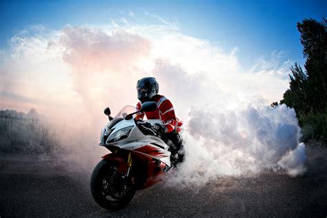 motosiklet  ultra hd duvar kagidi arka plan