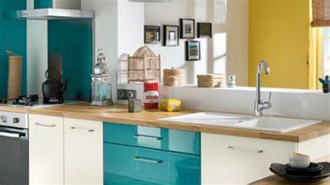 peinture mur cuisine tendance couleur tendance chambre adulte 12 cuisine mur bleu