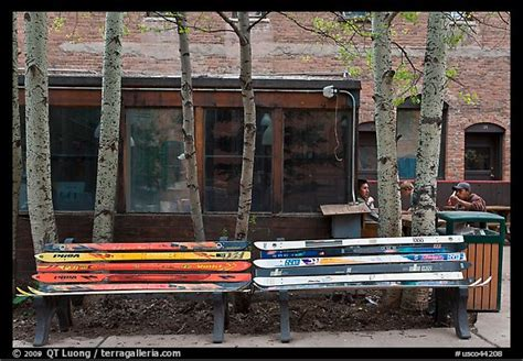 bench made of skis bench made of old skis awesome fun projects