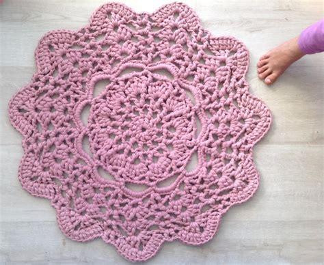 Crochet Tshirt Rug Pattern by Lacy Doily T Shirt Yarn Rug Favecrafts