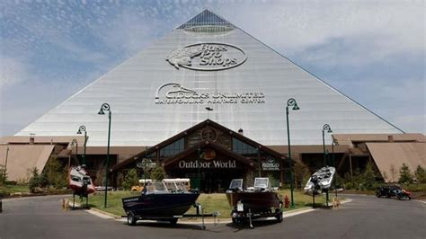 bass boats for sale jackson ms bass pro shops 1 bass pro dr memphis tn sporting