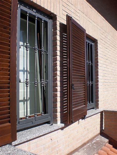 inferriate mobili per finestre progetto posa serramenti e persiane in legno inferriate