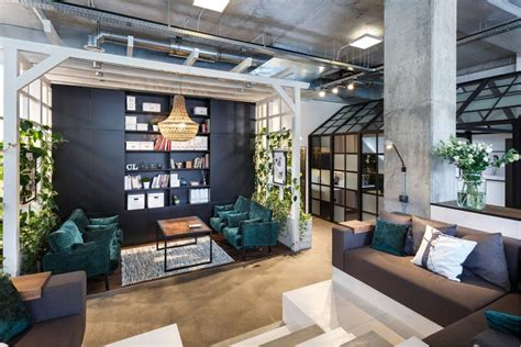The Box Office In Ukraine by Ukraine Office Offers Creative Spaces For Creating
