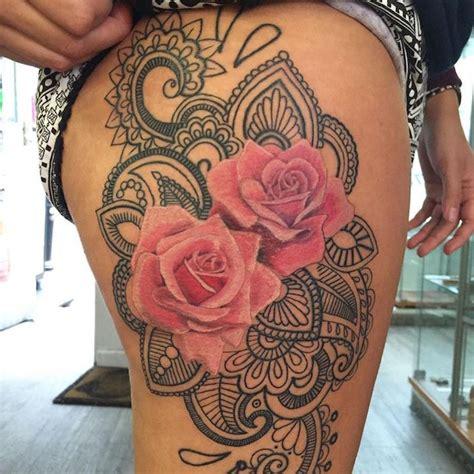 1001 id 233 es tatouage rose un bouquet d id 233 es et 50 mod 232 les