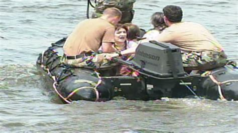 boating accident pennsylvania 2 people missing after tourist boat overturns at
