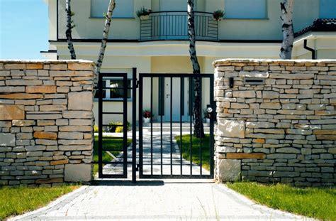 gartentor auf maß najpiękniejsze ogrodzenia dom otoczony murem murator pl