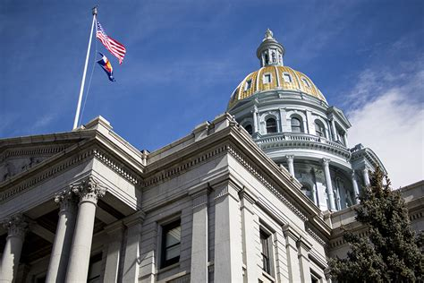 colorado state colors why is the colorado state capitol two different colors
