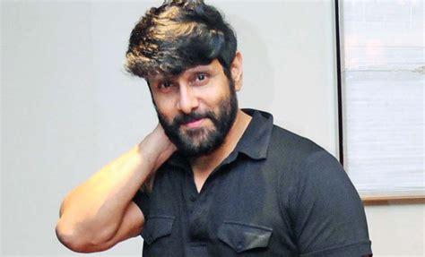 actor vikram father vinod raj vikram height weight age bio body stats net worth wiki