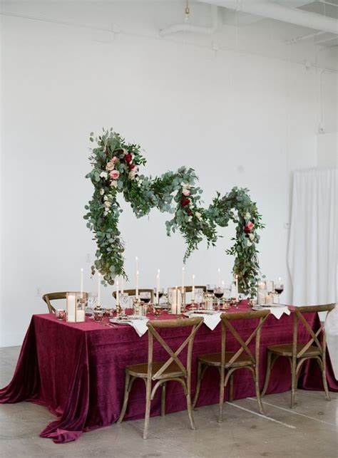 32 Gorgeous And Refined Velvet Wedding Ideas   Weddingomania