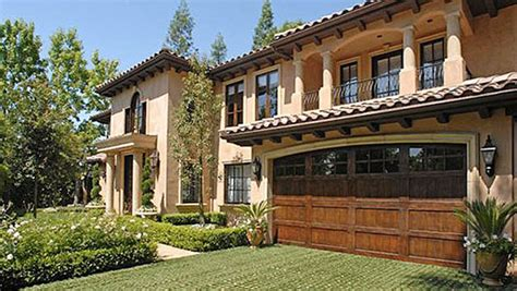 kim kardashian old house kim kardashian s house in beverly hills sold image 897298 by korshun on favim com