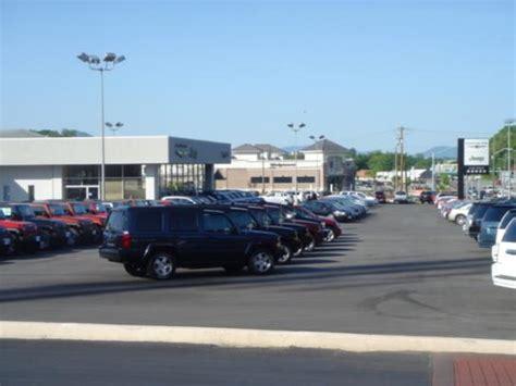 Jeep Dealerships In Roanoke Va Berglund Chrysler Jeep Dodge Roanoke Va 24014 Car