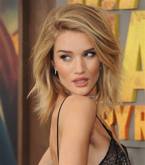 rosie huntington whiteley shows off perfect pins in mis
