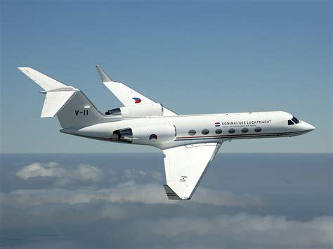 Airplane Floor Plan by Gulfstream Iv Wikipedia