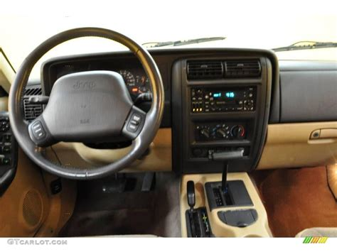 classic jeep interior 2000 desert sand pearl jeep cherokee classic 4x4 20613009