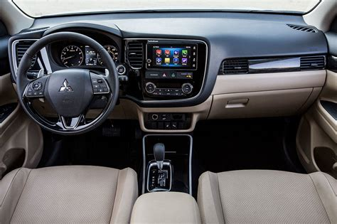 mitsubishi outlander interior 2017 mitsubishi outlander suv offers more features in 2018