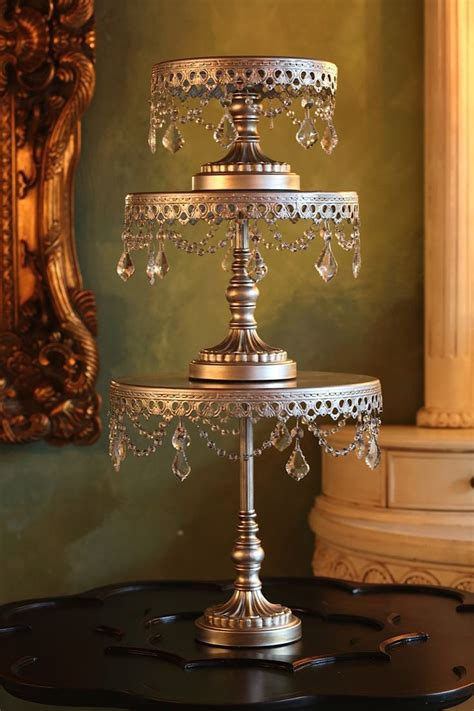 Chandelier Cake Stand 1000 Ideas About Chandelier Cake Stand On