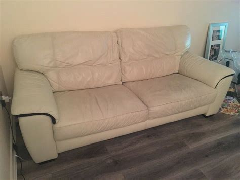 Sofas On Gumtree by Leather Sofa 3 2 Seater In Thornliebank Glasgow