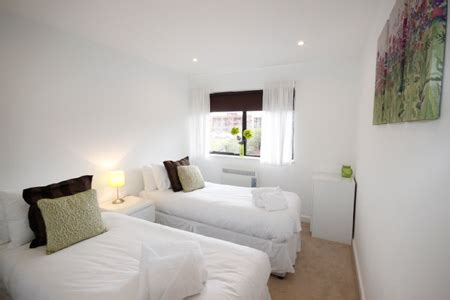 2 Bedroom Flat Milton Keynes by Two Bedroom 1 Bathroom Serviced Apartment Milton Keynes