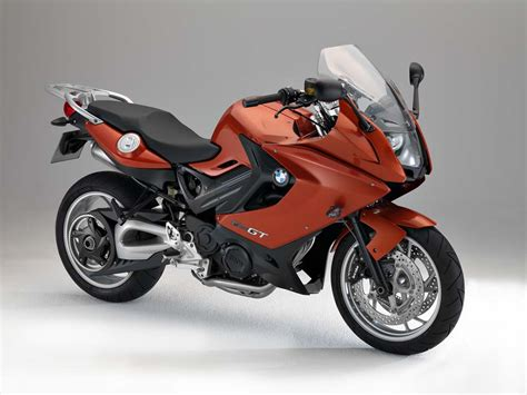Can you ride a BMW F800GT with an A2 licence?