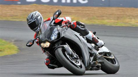 your track day the motorcycle track handbook get the right motorcycle gear set your bike up correctly and get the most out of track books motorcycle track day on your own bike qld weekend