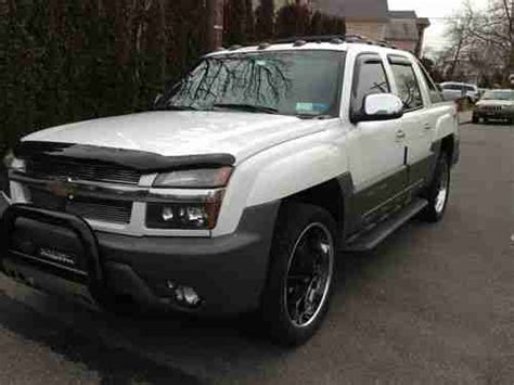 how to work on cars 2002 chevrolet avalanche 1500 user handbook sell used 2002 chevrolet avalanche 1500 z71 crew cab pickup 4 door 5 3l 4x4 in brooklyn new