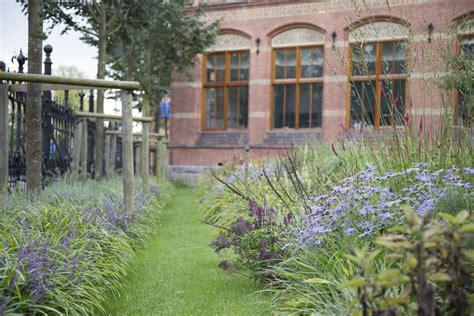 tuin terras amsterdam aanleg tuin van het rijksmuseum in amsterdam