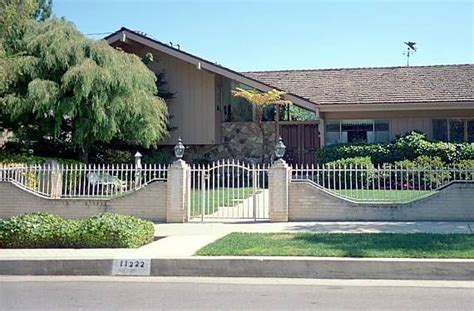 brady bunch house brady bunch house now structure pinterest