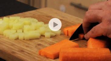 comment couper un potimarron astuce cuisine comment couper un potimarron vid 233 o