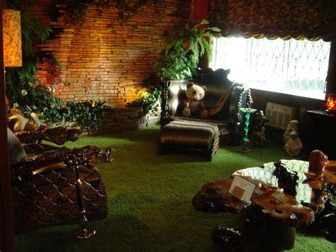 Jungle Room file gracelandjungleroom jpg