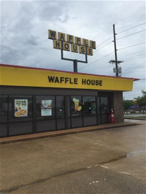 waffle house shallowford road 10 restaurants near residence inn chattanooga near hamilton place