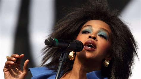 Wie Lange Sitzerh Hung Im Auto by Lauryn Hill Muss Nicht Wegen Steuerhinterziehung Ins