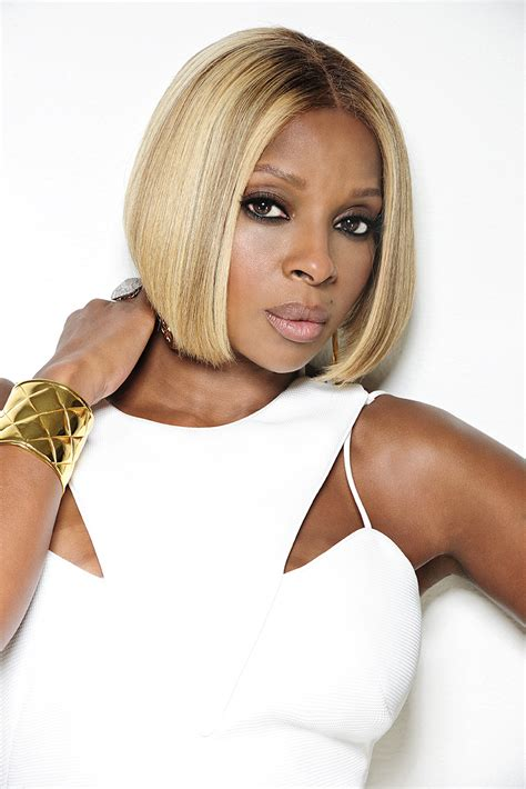 mary j blige pictures r b legend mary j blige joins bet experience africa line