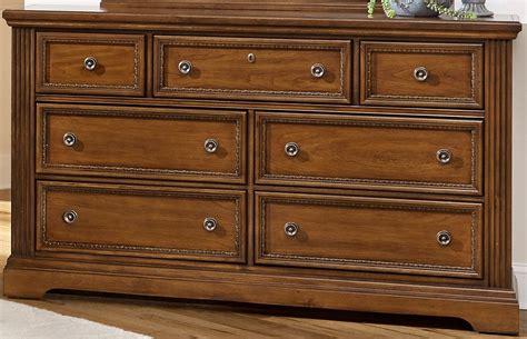 antique cherry bedroom furniture affinity antique cherry sleigh bedroom set 562 553 355