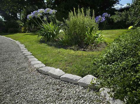 Edge Stones In Garden Landscaping Gardening Ideas Garden Path Edging Ideas