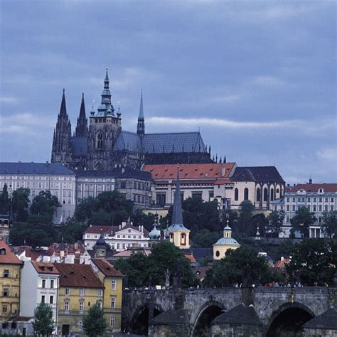 cheapest time  visit prague usa today